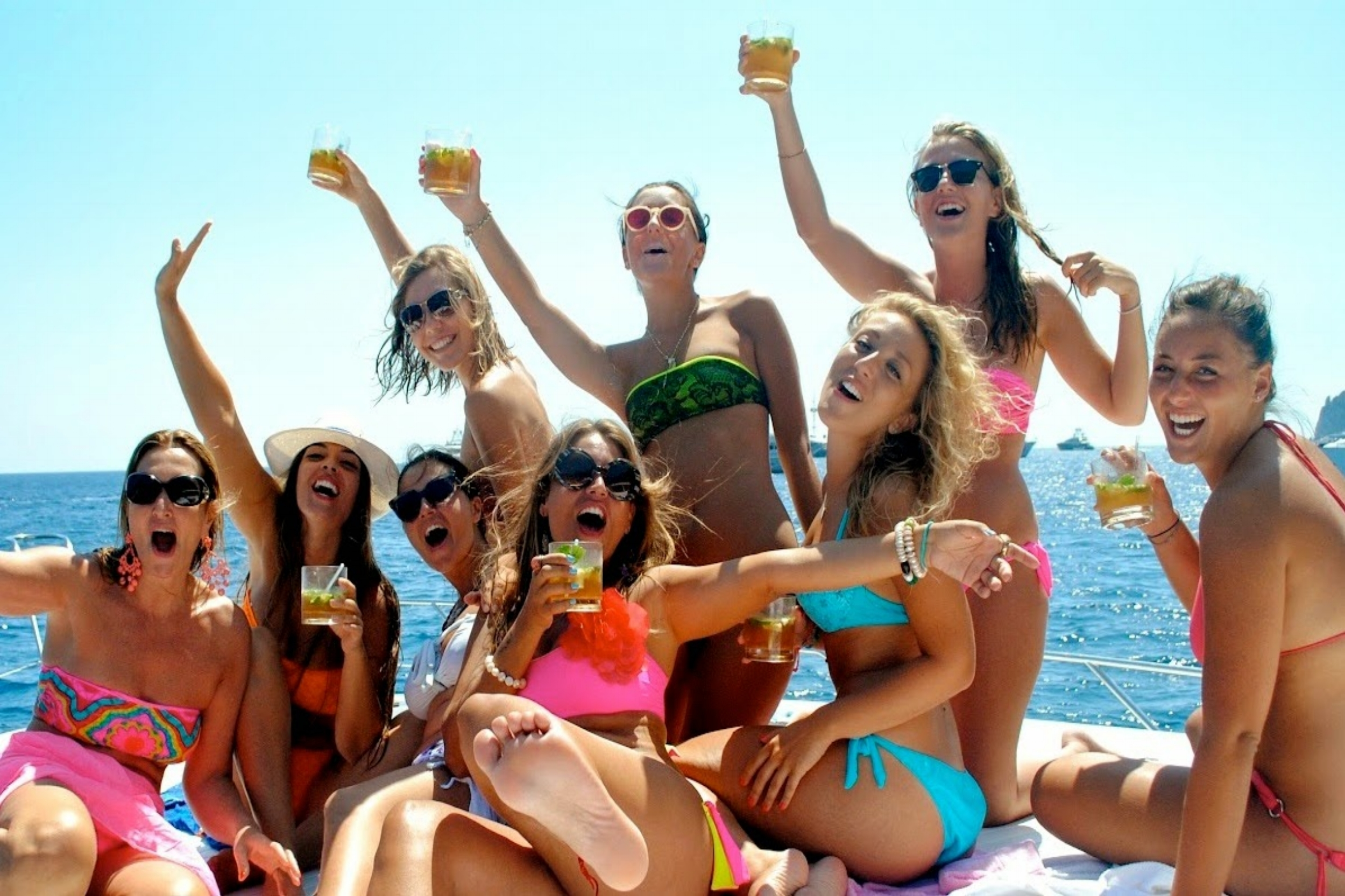 Stag Party - Come enjoy an unforgettable time at sea! With a DJ on board and a lot of other options.From 3 to 6 hoursMax 14 People