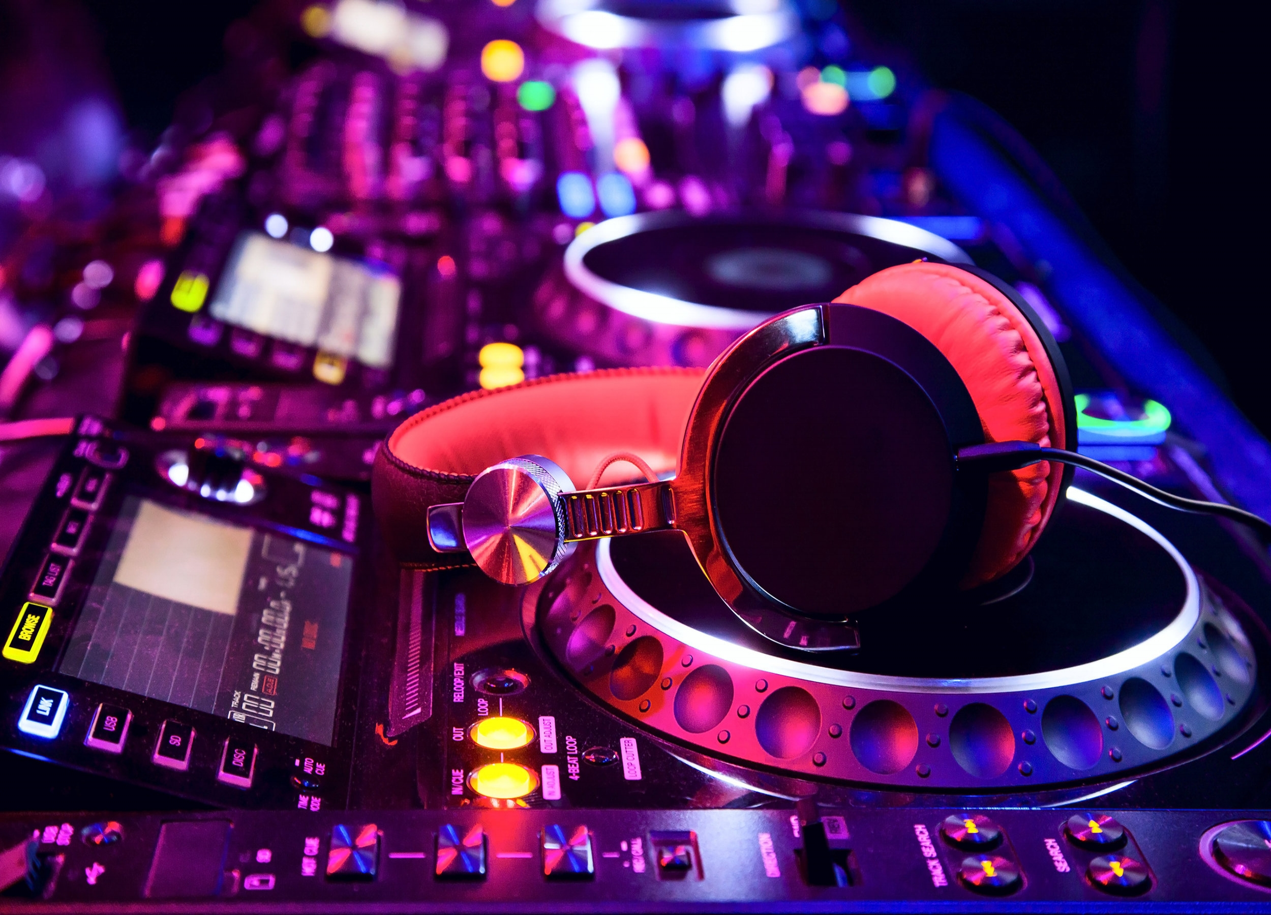 DJ Party - DJ on board at your service.From 3 to 6 hours