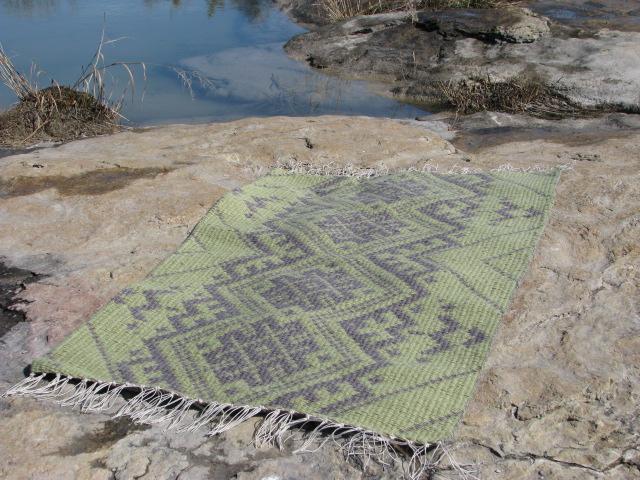 Rug at San Saba River 002.JPG