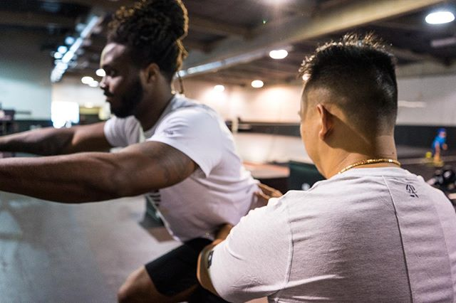 Prehab so you won't have to rehab. . . @dr.tonytran working with Texans RB @iamdeeforeman, fine tuning his hamstrings before training camp.