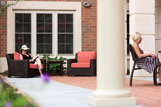 Soak up the last of these summer days with a book in Meridian at Eagleview's serene courtyard. Open on weekends, schedule a tour in our exclusive 55 and up active adult community by calling 484.873.8100😊