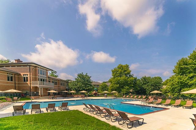 Summer's not over yet! Now's your chance to cool off in New Kent Apartment's pool 🏊🏼 🐠 www.newkentapts.com #hankinapartments #westchesterpa