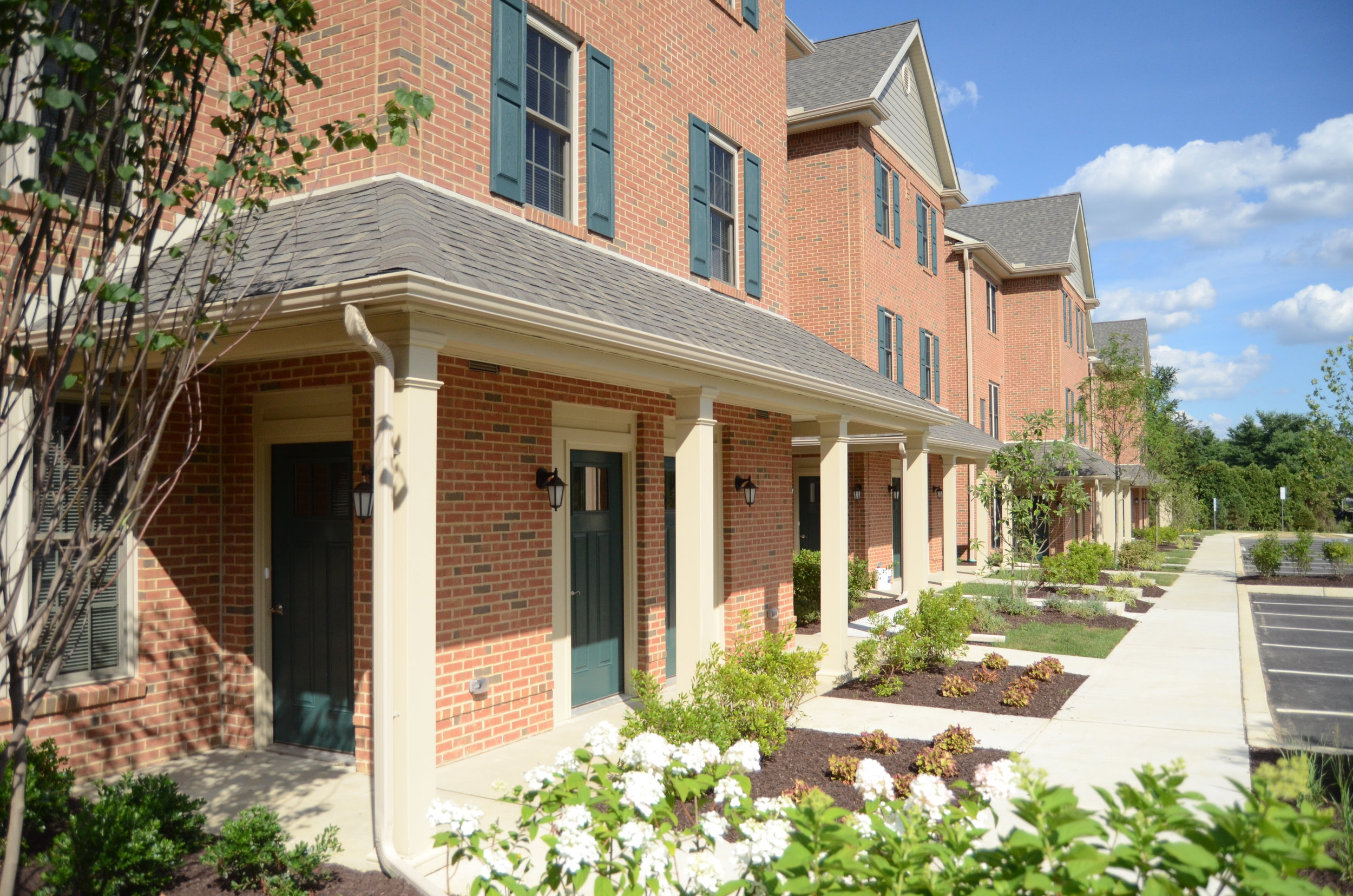 Corner Park - WEST CHESTER, PALocated just 5 minutes from downtown West Chester, Corner Park offers 1, 2 and 3 bedroom apartment homes and townhomes. Experience the laid-back and serene living experience Corner Park has to offer.RESIDENT PORTAL