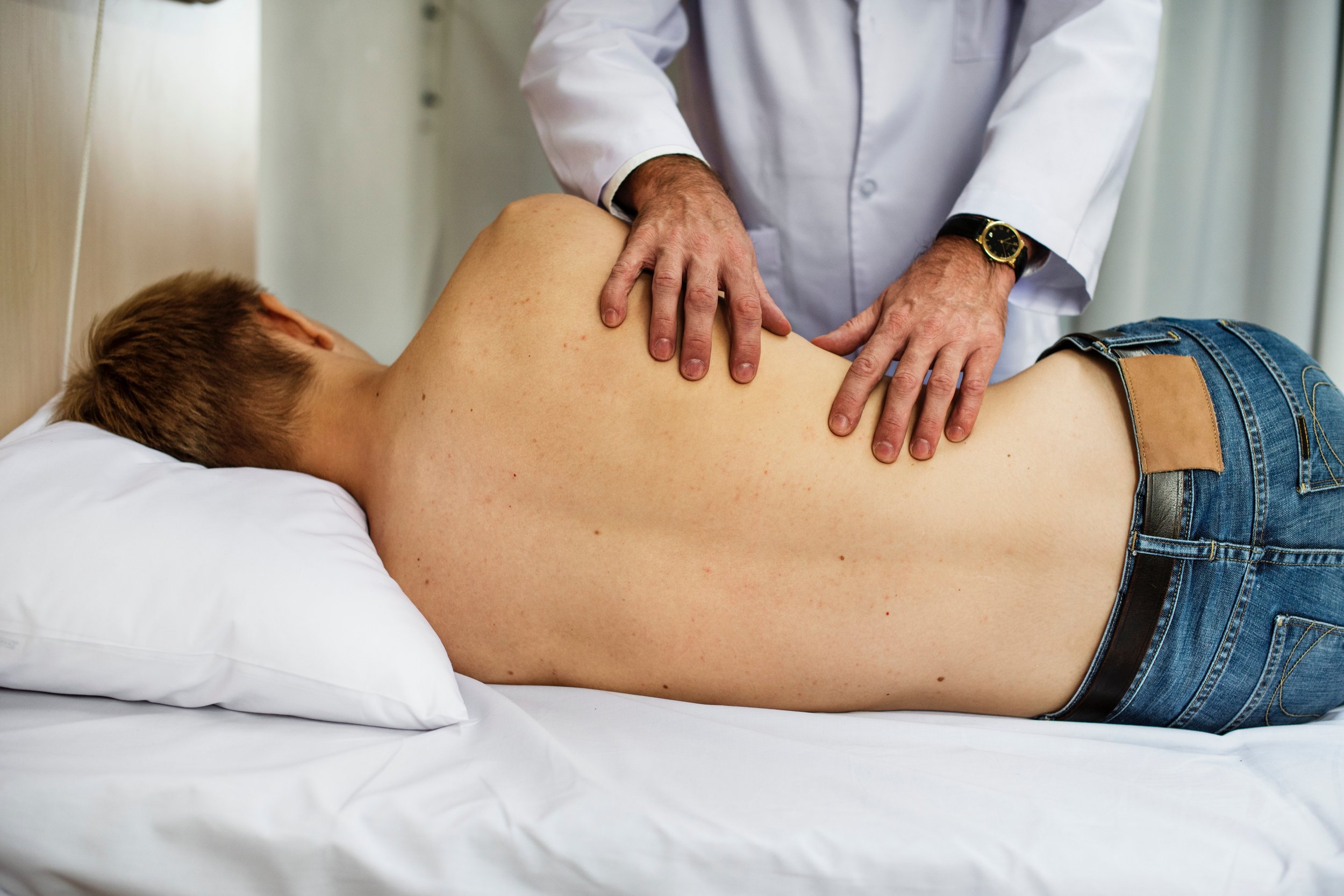 bed-clinic-doctor-1321728.jpg