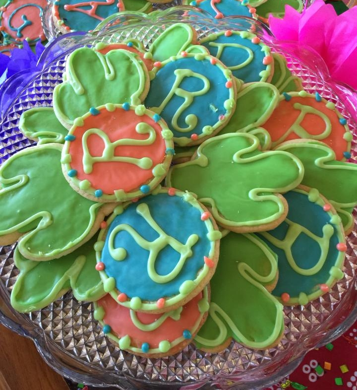 COOKIES - Our cookies are a great way to bring great tasting fun to any gathering. Whether celebrating an event, a birthday or just to have some sweets, we have you covered. We provide decorative sugar cookies as well as our delicious take on the classics.