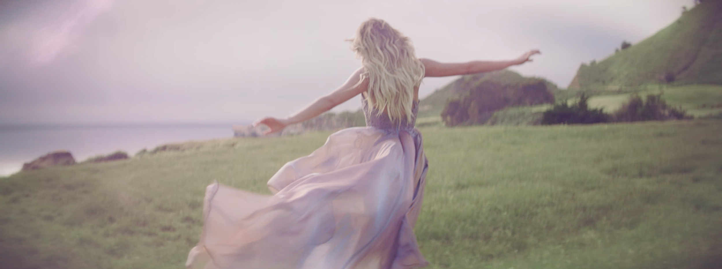 Legends-KelseaBallerini_FINAL_mp4 15.png
