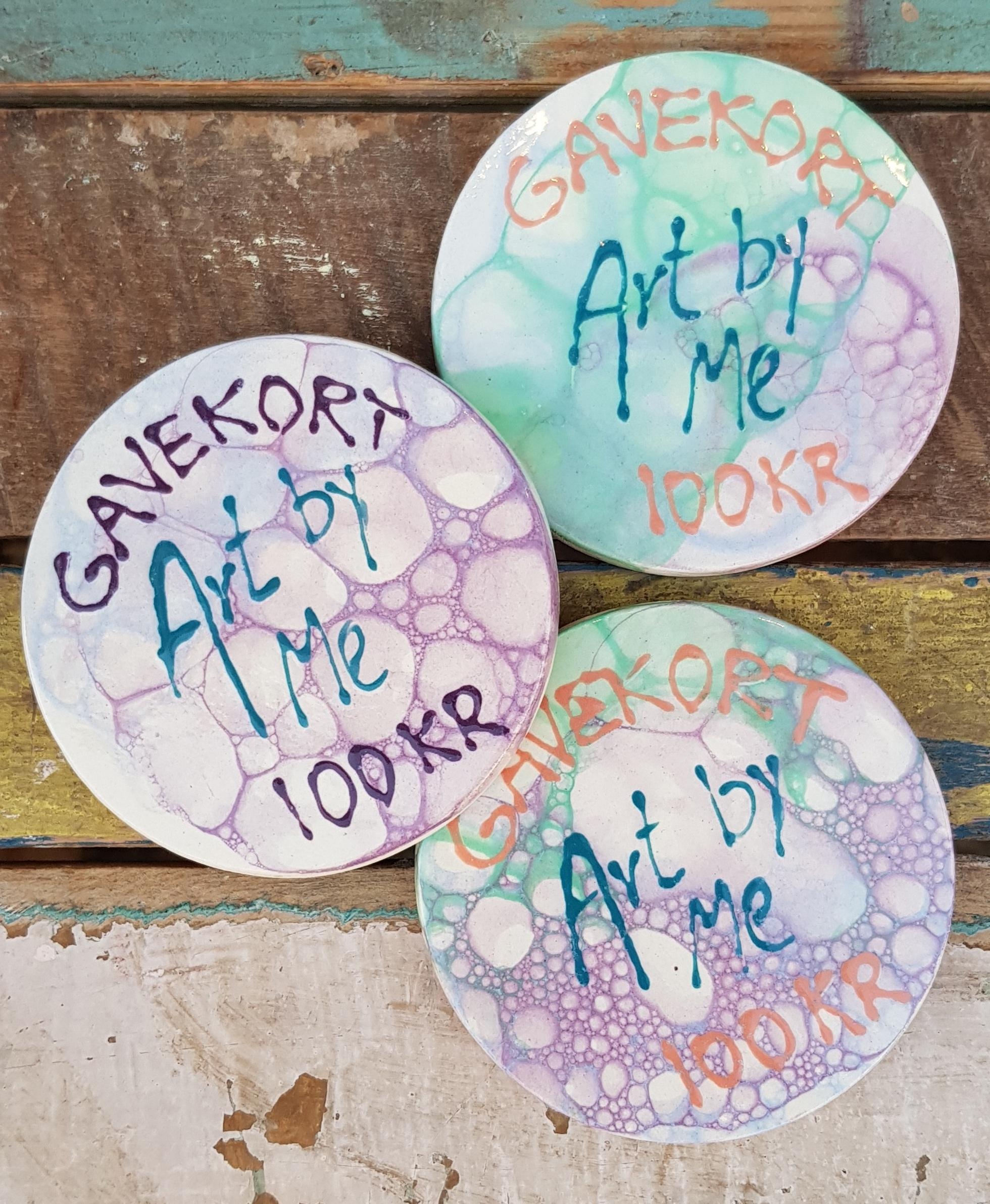 Mangler du en god gaveidé?Nu kan du købe vores fine keramik gavekort i vores onlineshop. -