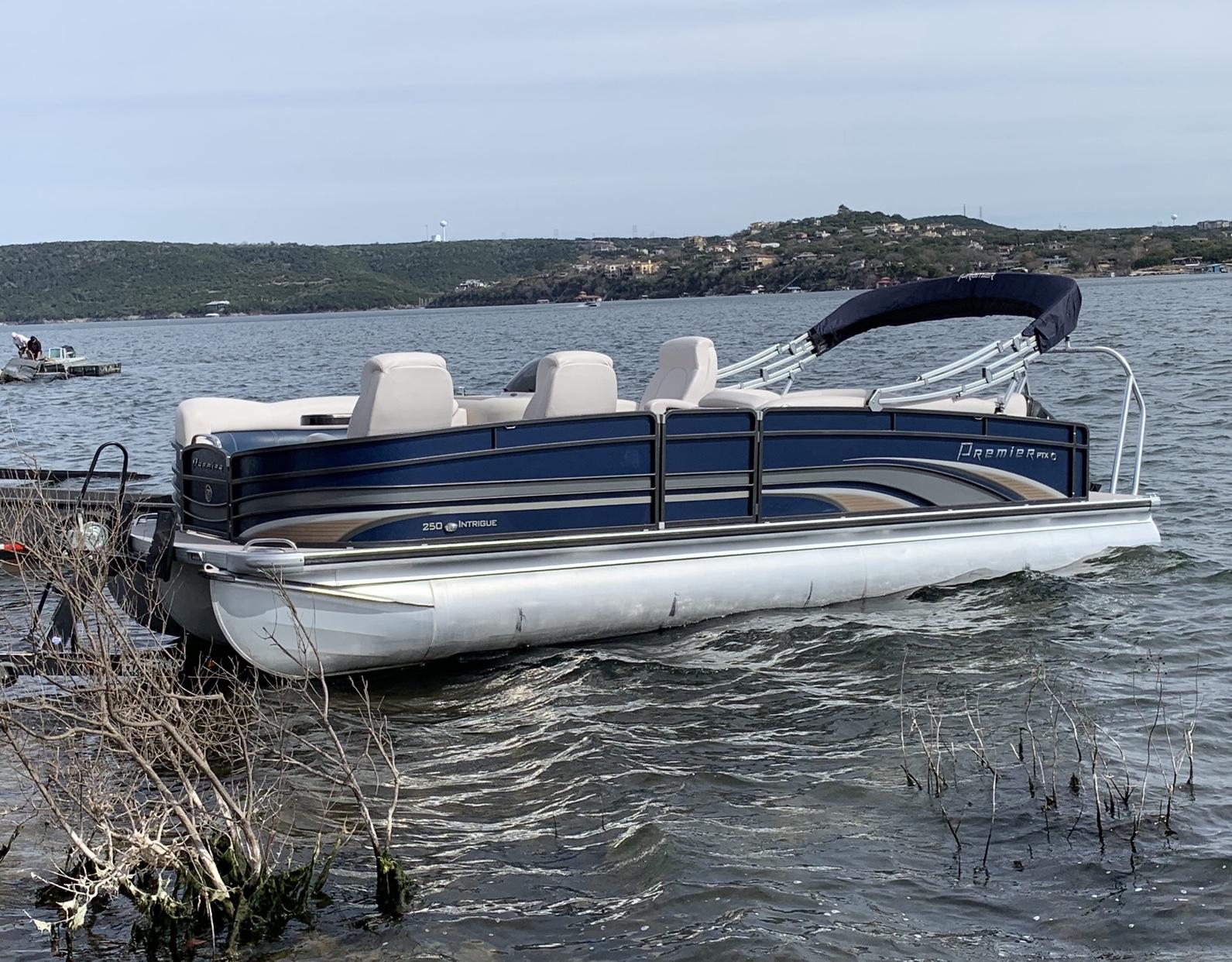 Pontoon Boat Rentals Atx Wake Adventures Boat Rental