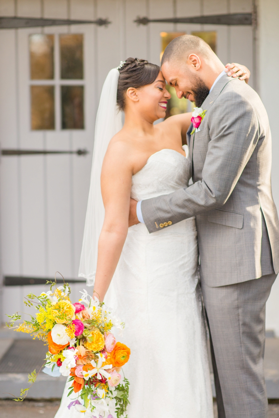 Colorful-Mid-Century-Modern-Wedding-Ideas_0015.jpg