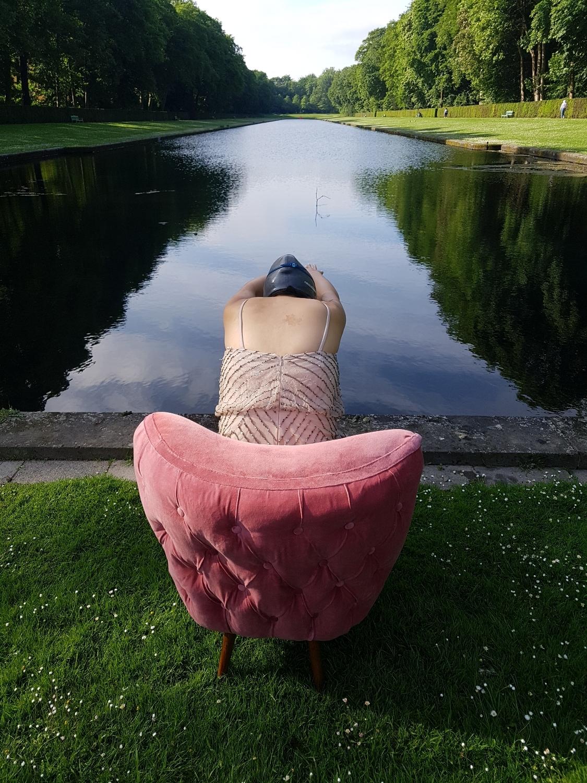 Lynda sparshatt princess diaries shoot pink cocktail chair dive in