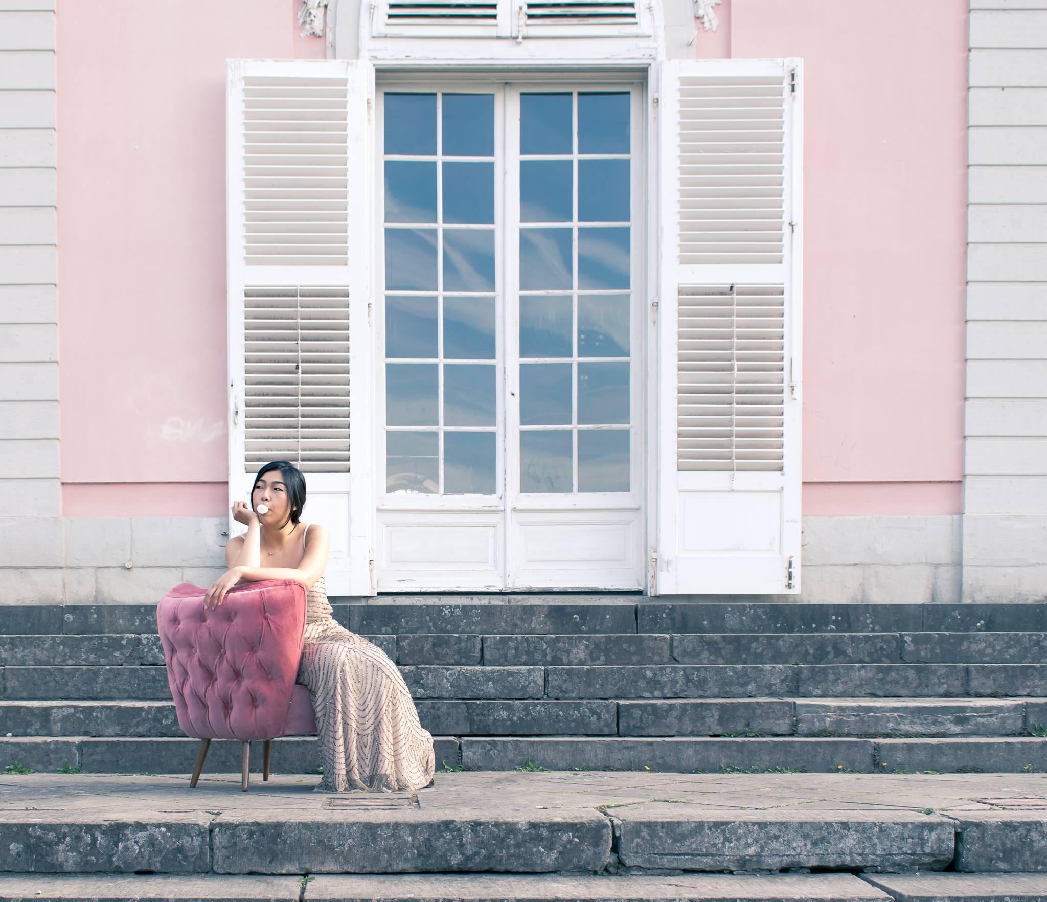 Millennial pink Accent Chair