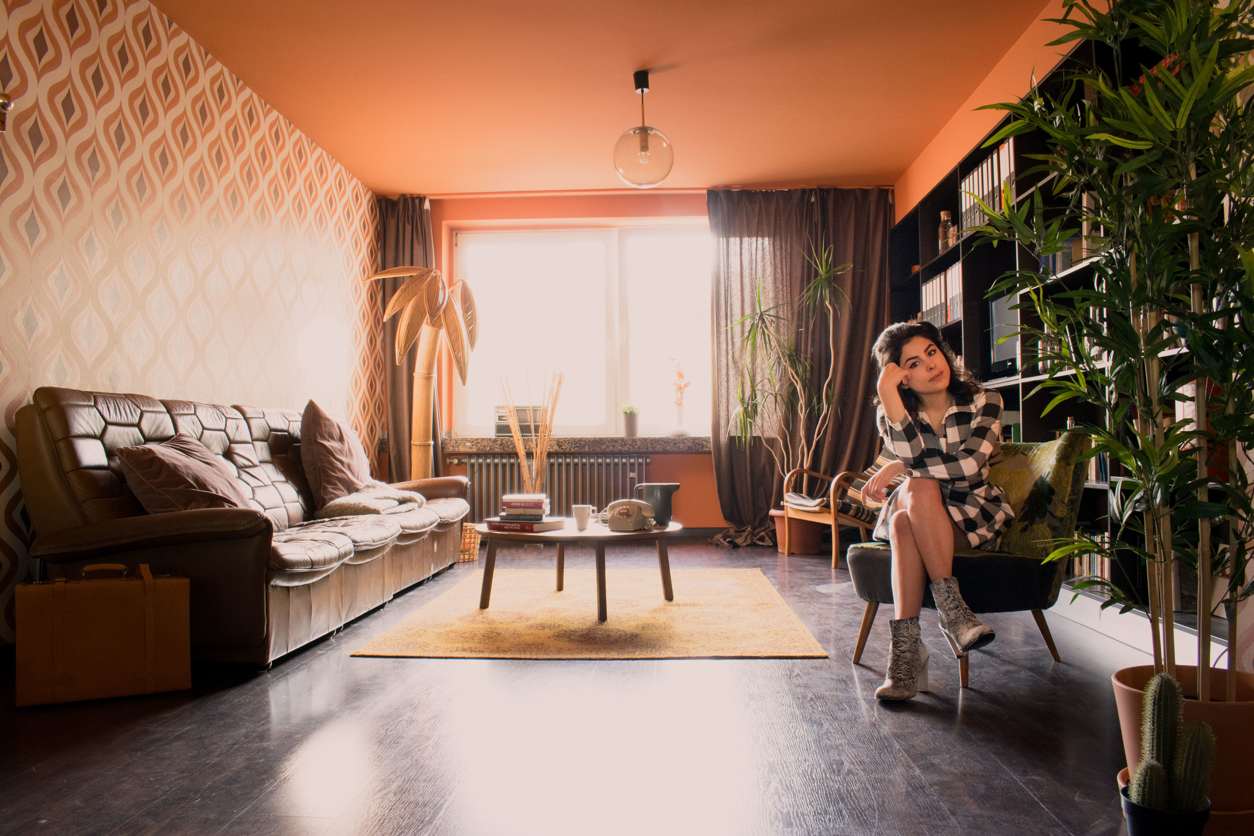 A dreamy 1970's earth-toned living room