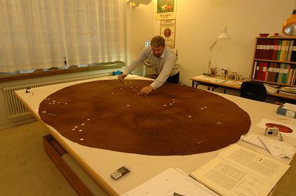 Photograph of the Gerum Cloak investigation, photograph by  https://svenskhistoria.se/
