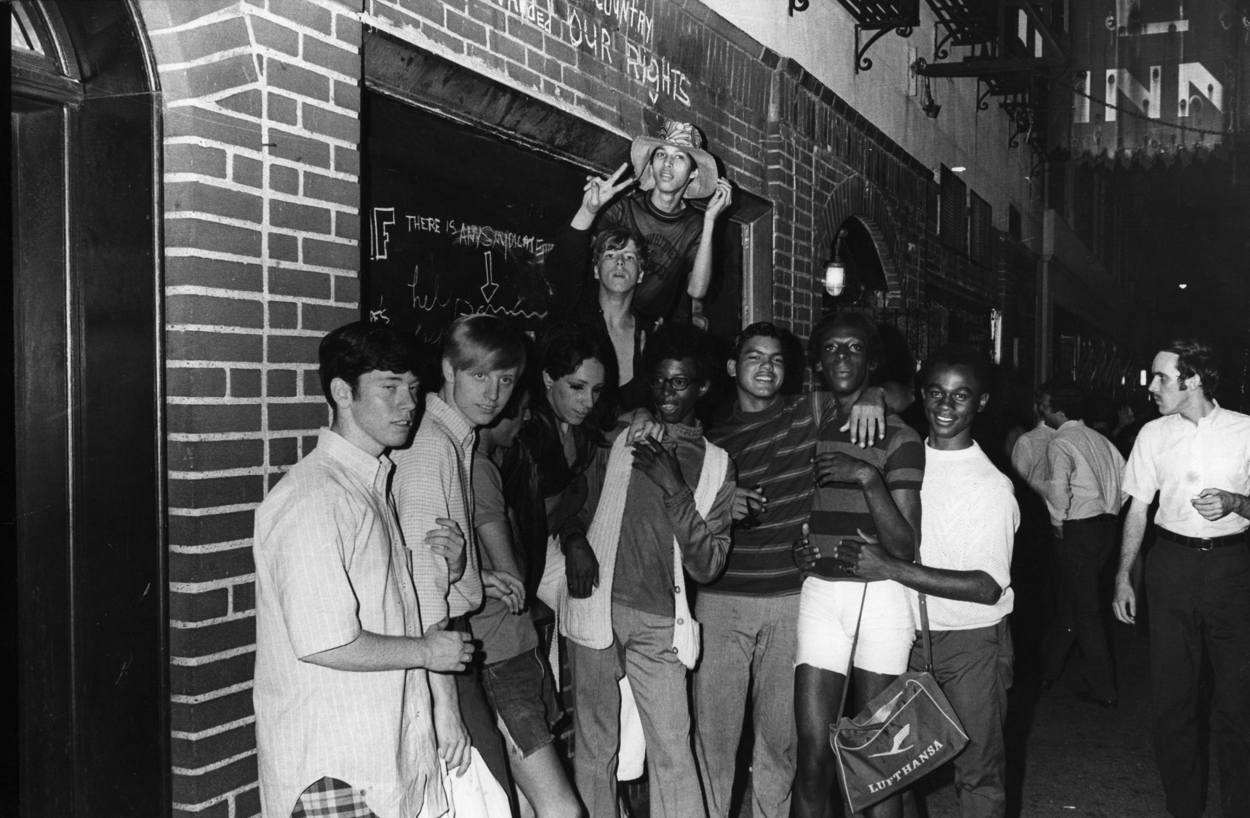Stonewall inn historic 1.jpg