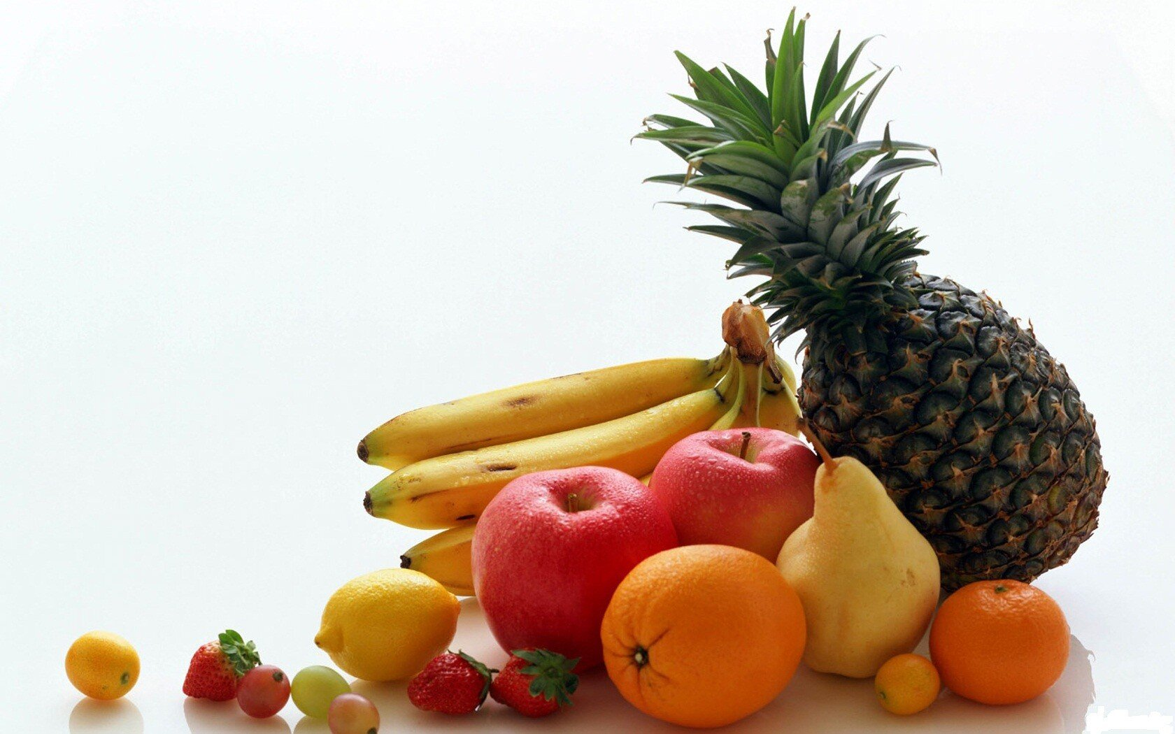 Food___Berries_and_fruits_and_nuts_Still_life_of_fruit_041449_.jpg