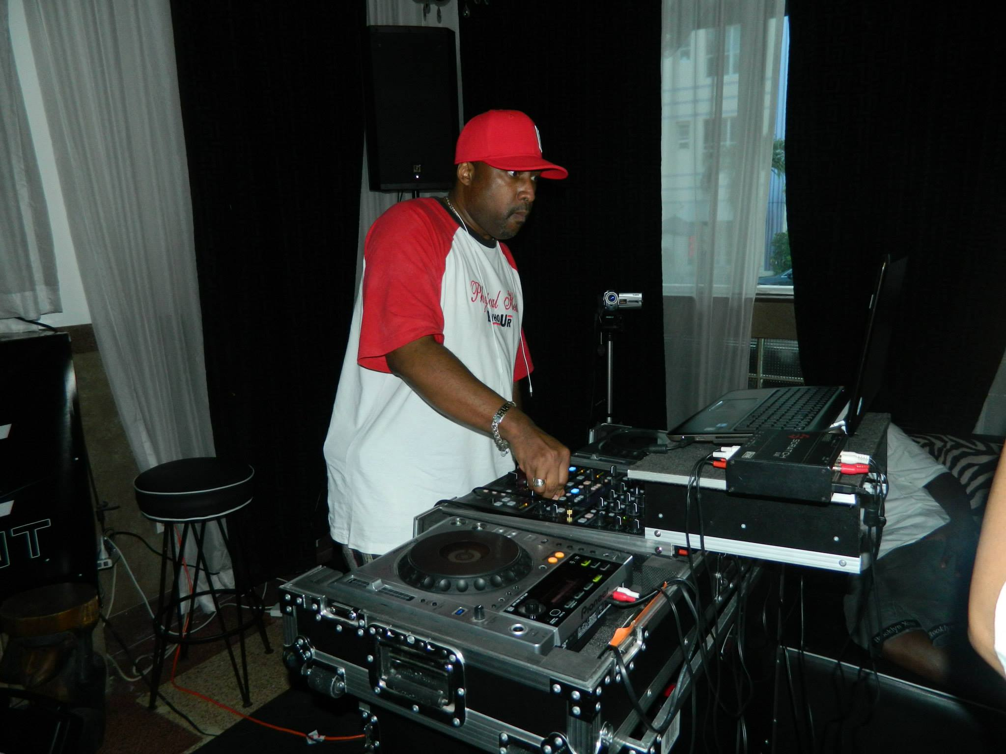 DJ Hugo.jpg