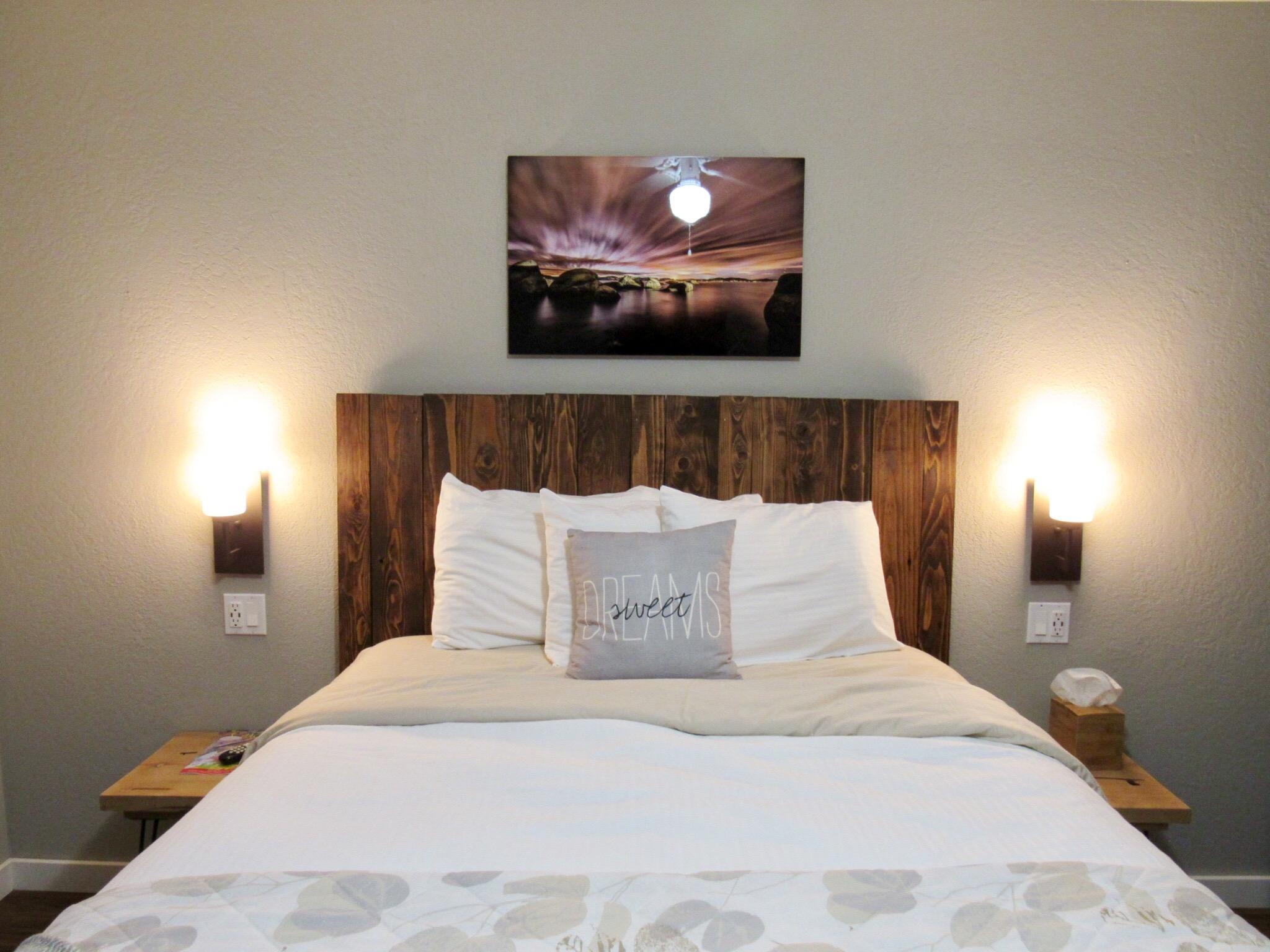 7 Seas Inn Room