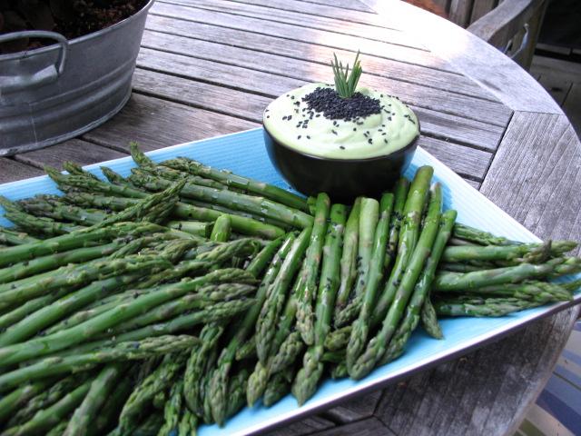 Black Sesame Asparagus w/Wasabi Aioli