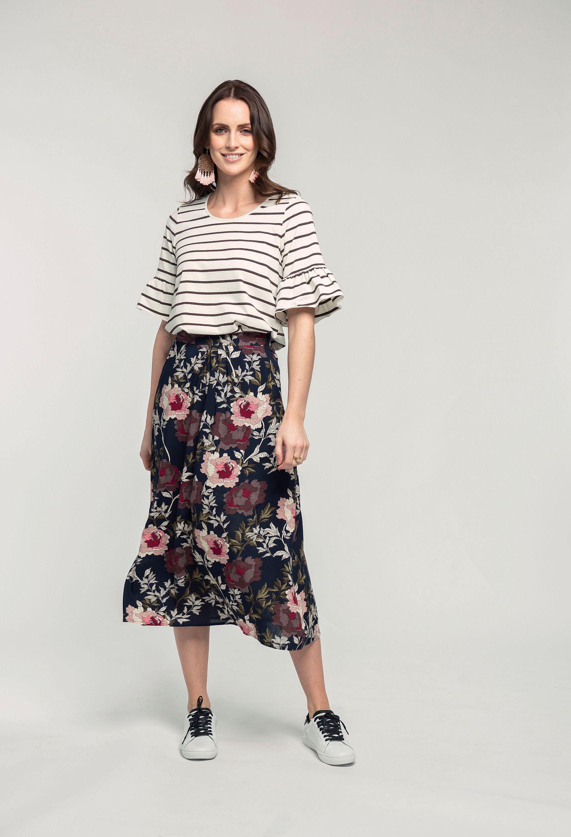 Fashion Tee & Mary Pants