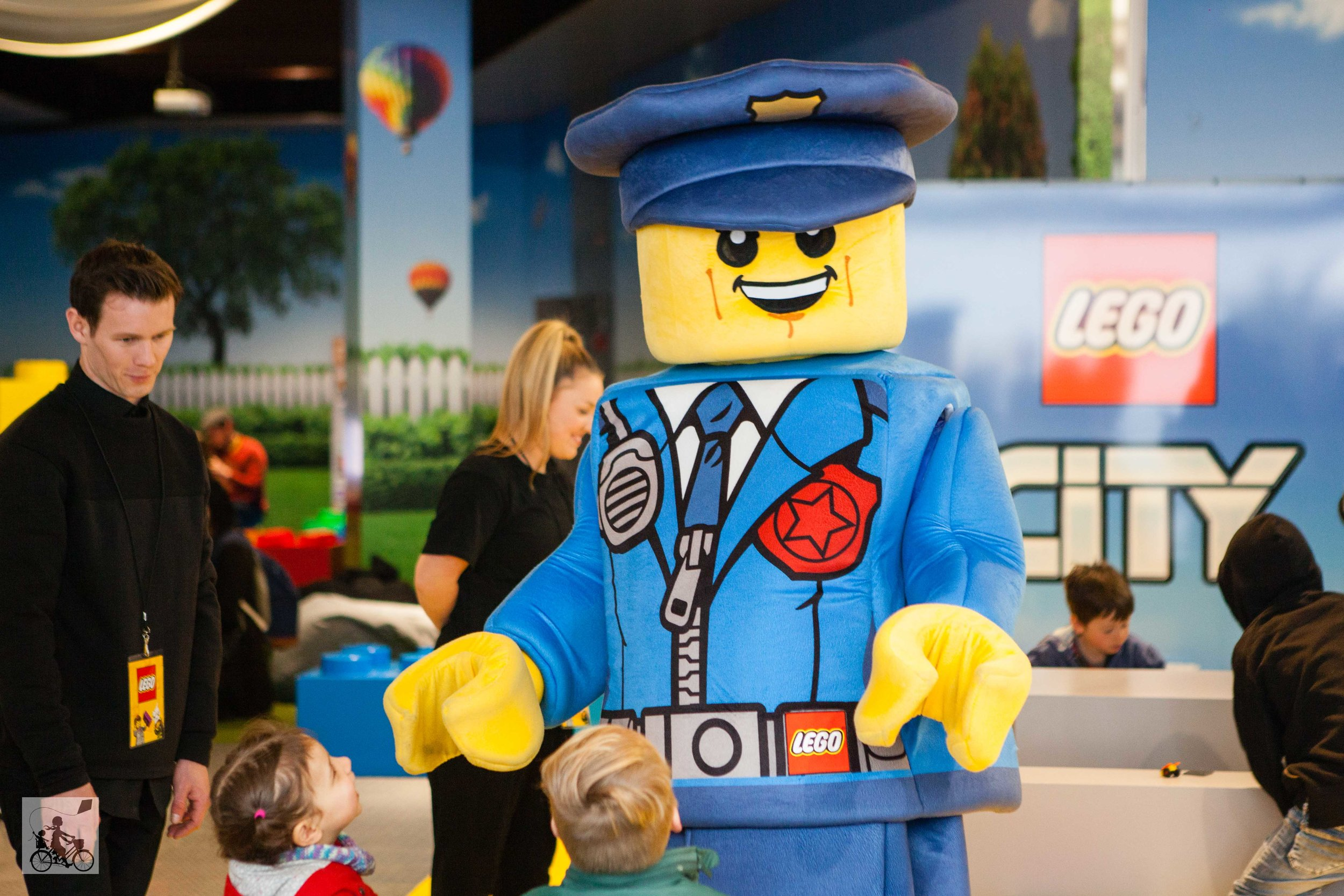 mamma knows south - lego city play zone, harbour town