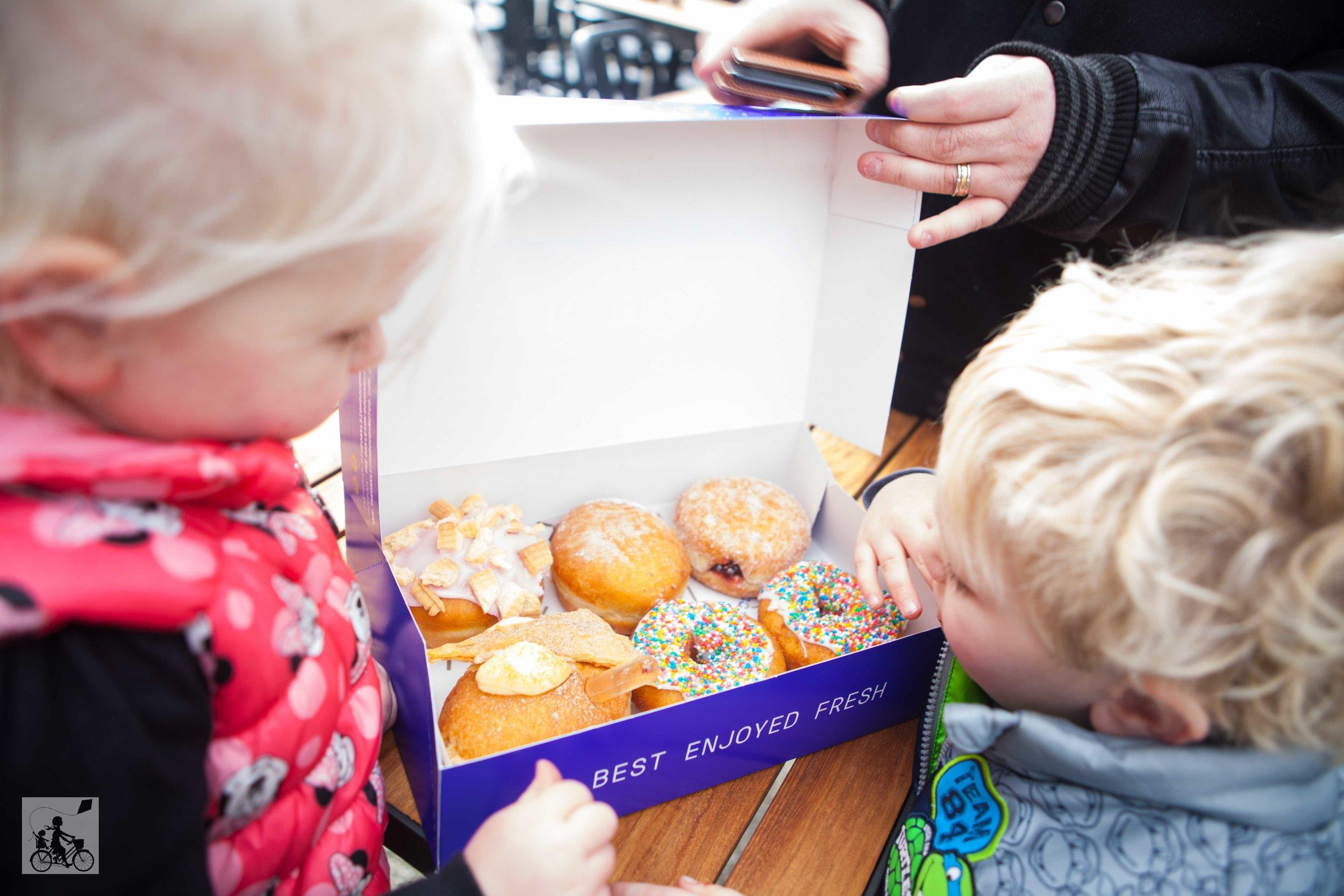 mamma knows south - the oakleigh doughnut co, oakleigh