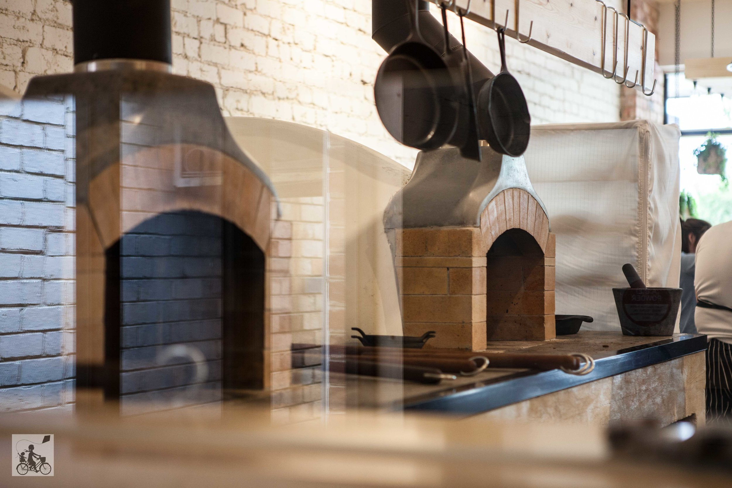 mamma knows south - woodcutters kitchen, bentleigh south