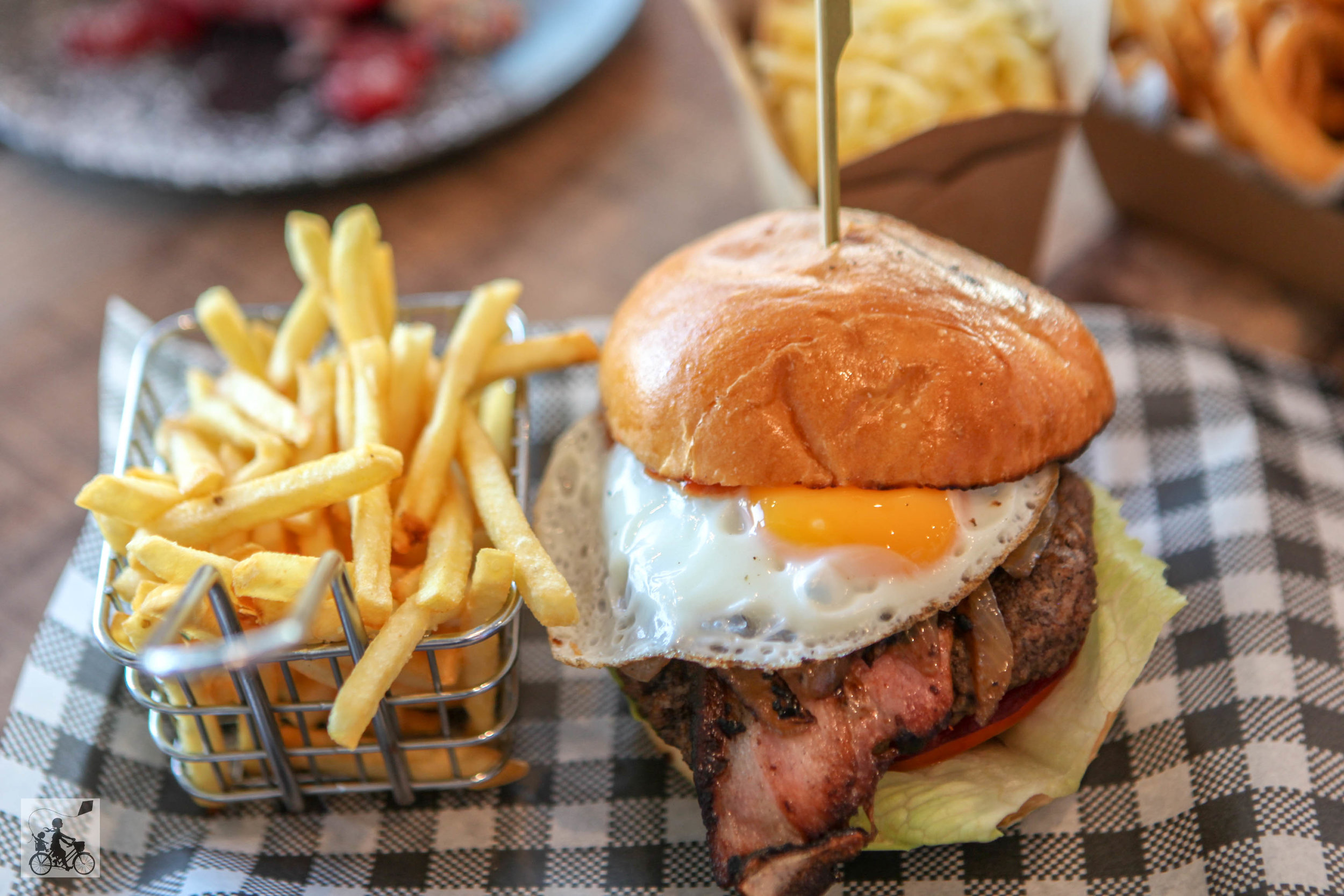 Burger Days - Mamma Knows South (21 of 25).jpg
