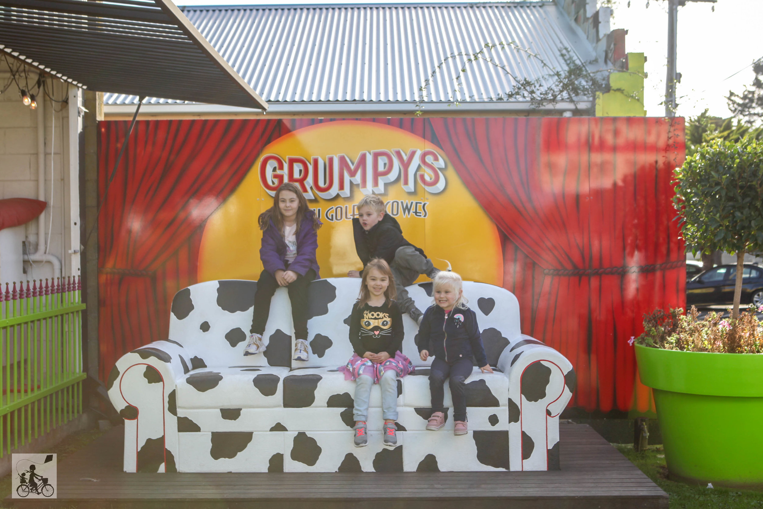 Mamma Knows South- grumpys crazy golf, cowes