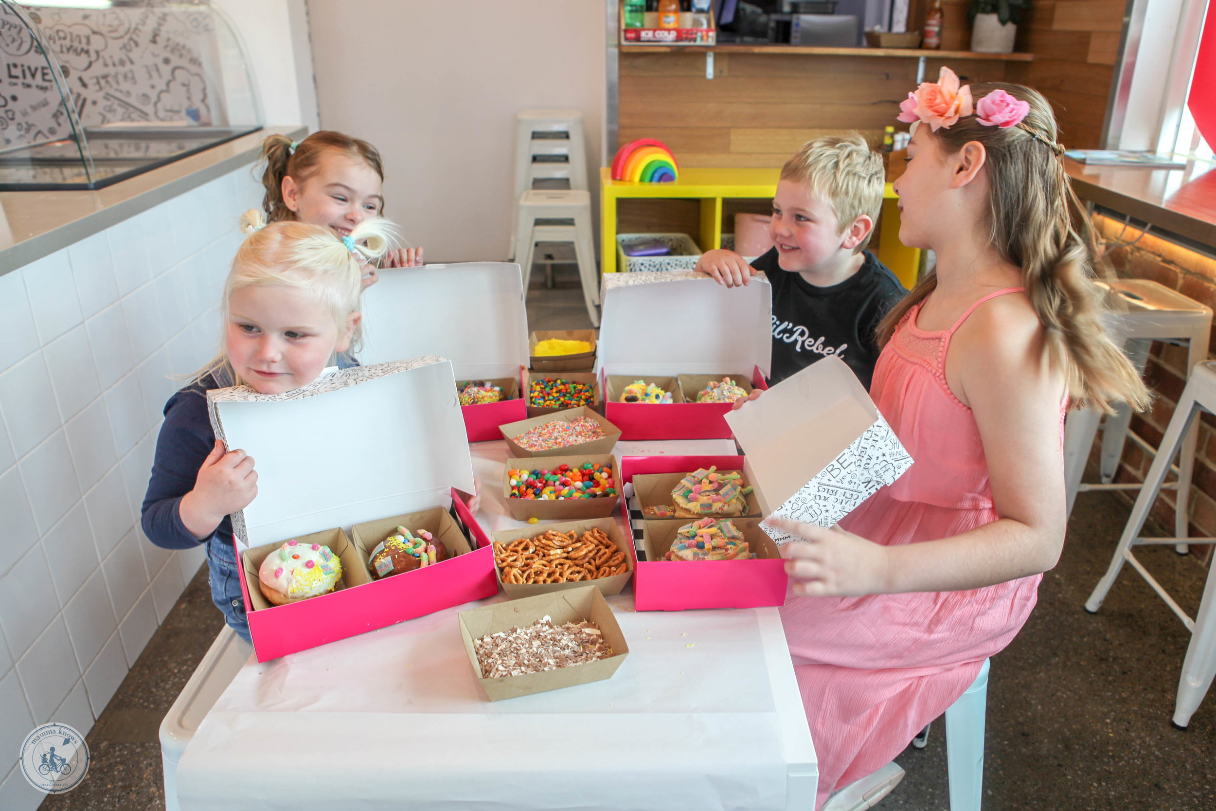 rebel donut decorating -  mamma knows south (23 of 34).jpg