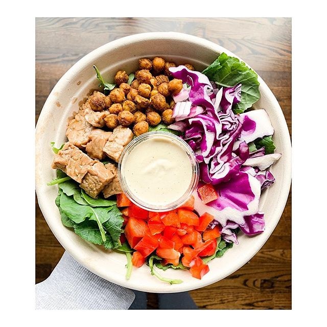 My kind of fast food.⠀ ⠀ At @rawblendz in Port Credit, this bowl was $13. It had rice, roasted chickpeas, baby kale, onions, peppers, cabbage, tempeh and a delicious cashew caesar dressing. I was full after, in a good way. ⠀ ⠀ And then there's McDonald's. You can easily spend $12-15 dollars by the time you upgrade your fries etc. only to inhale it all and then be hungry shortly after. Why? Empty calories my friend. Hardly any nutrients, therefore, your body ain't satisfied.⠀ ⠀ Sooo...the next time someone says it's expensive to eat healthier foods, well my friends, do the math there. 😉⠀ ⠀ Where's your favourite place to grab fast food healthy meals!? 👇🏻⠀ .⠀ .⠀ .⠀ .⠀ .⠀ .⠀ .⠀ .⠀ .⠀ .⠀ #holisticnutrition #holisticnutritionist #holisticwellness #healthandwellness #simplerecipes #simplytina #eeeeeats #eatrealfood #realassfood #iamwellandgood #wellandgoodeats #buzzfeedhealth #huffposttaste #foodgawker #mindbodygreen #mindbodygram #mississauga #gta #6ix #igerstoronto #thechalkboardeats #foodisfuel #fuelyourbody #linkinbio