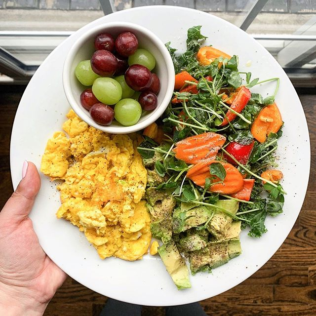 Look at this beauty. 🙌🏻⠀ ⠀ This is @mamag1958's plate. I love when she shows me what's on her plate. Makes me so proud. 😭⠀ ⠀ Years ago, her plate wouldn't necessarily be a full house of all these delicious nutrients because we were brainwashed to believe that less is more to achieve optimal health. Calorie counting, food counting (10 almonds 🙄), etc. ⠀ ⠀ One of the most common trends was low fat to no fat.⠀ ⠀ 50% less fat, low fat or 0% fat were common to see in grocery stores (still are but we are getting better). ⠀ ⠀ The problem with this is that when you mess with the fat content, other ingredients are being added to make up for that. Other ingredients like emulsifiers, artificial flavours, etc. 🙅🏻‍♀️⠀ ⠀ I can't say this enough...FAT IS YOUR FRIEND. Good healthy fats like avocado, coconut oil, olive oil, etc.⠀ ⠀ Healthy fats are important for:⠀ ⠀ Heart health⠀ Brain health⠀ Immune function⠀ Hormone production⠀ Weight loss⠀ Energy ⠀ ⠀ ...to name a few.⠀ ⠀ So, the next time you're grocery shopping, buy that full fat Greek yogurt or mayo and read the labels! Send me a picture if you need help choosing products. ⠀ ⠀ I got you. 😉⠀ .⠀ .⠀ .⠀ .⠀ .⠀ .⠀ .⠀ .⠀ .⠀ .⠀ .⠀ #holisticnutrition #holisticnutritionist #holistichealth #healthandwellness #eatrealfood #healthyfats #fuelyourbody #nourishyourbody #iamwellandgood #wellandgoodeats #mindbodygreen #mindbodygram #igerstoronto #f52gram #food4thought #eeeeeats #healthyish #huffposttaste #strongnotskinny #mealprep101 #mealprep #mississauga #gta #6ix ⠀