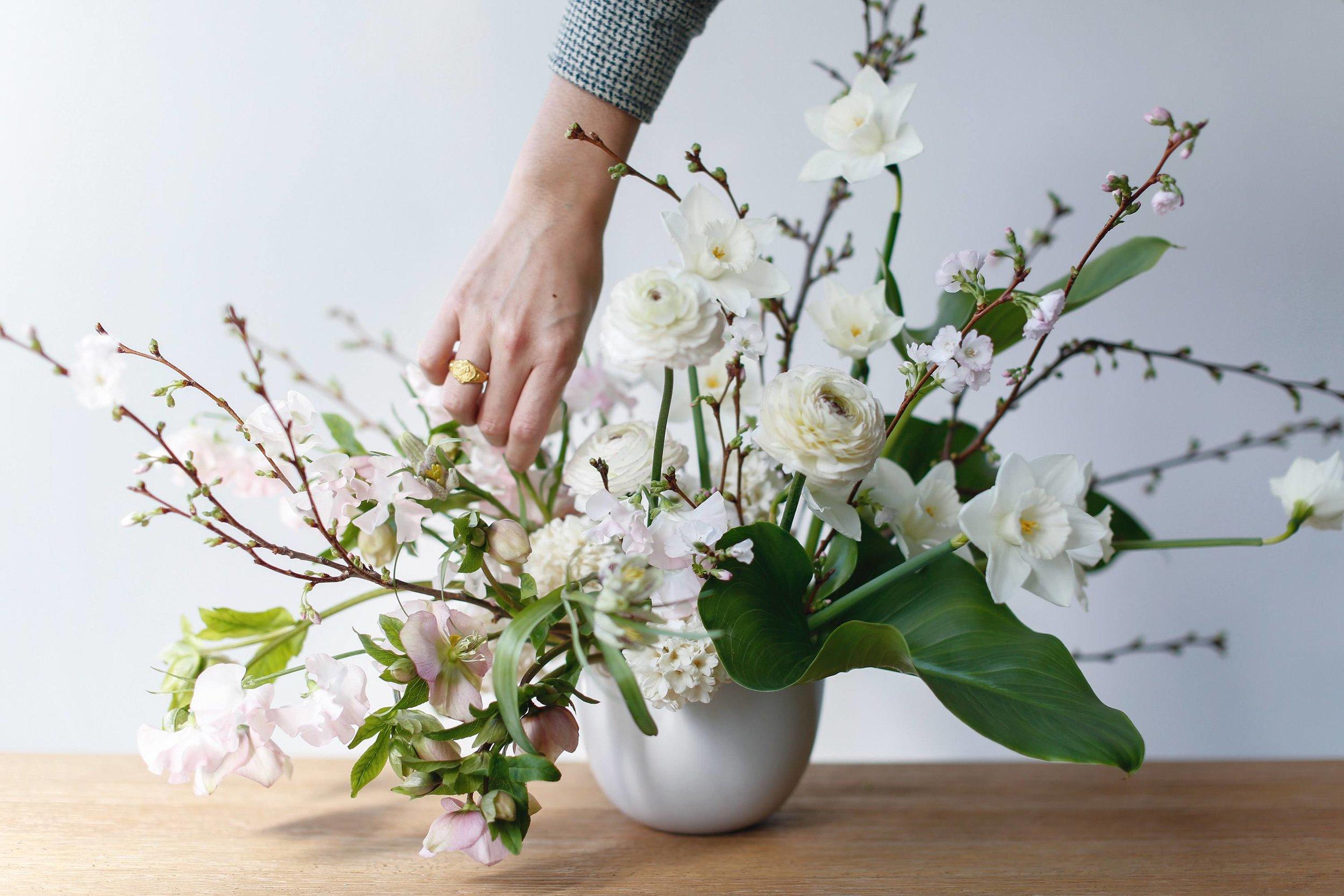 floral-design-101-lambert-floral-studio-spring-arrangement-12.jpg