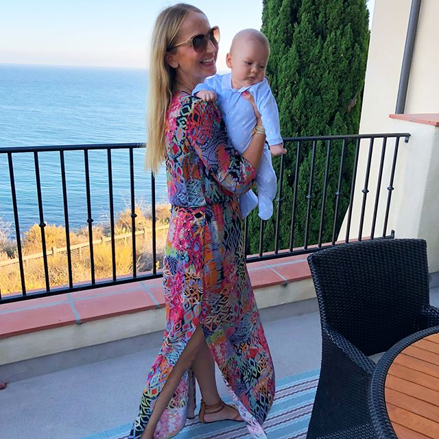 Nadezhda style dresses are so easy,  flowy & effortless, perfect coverage for new moms 💗 #newmom #newmomlife #silkcollection #familyvacation