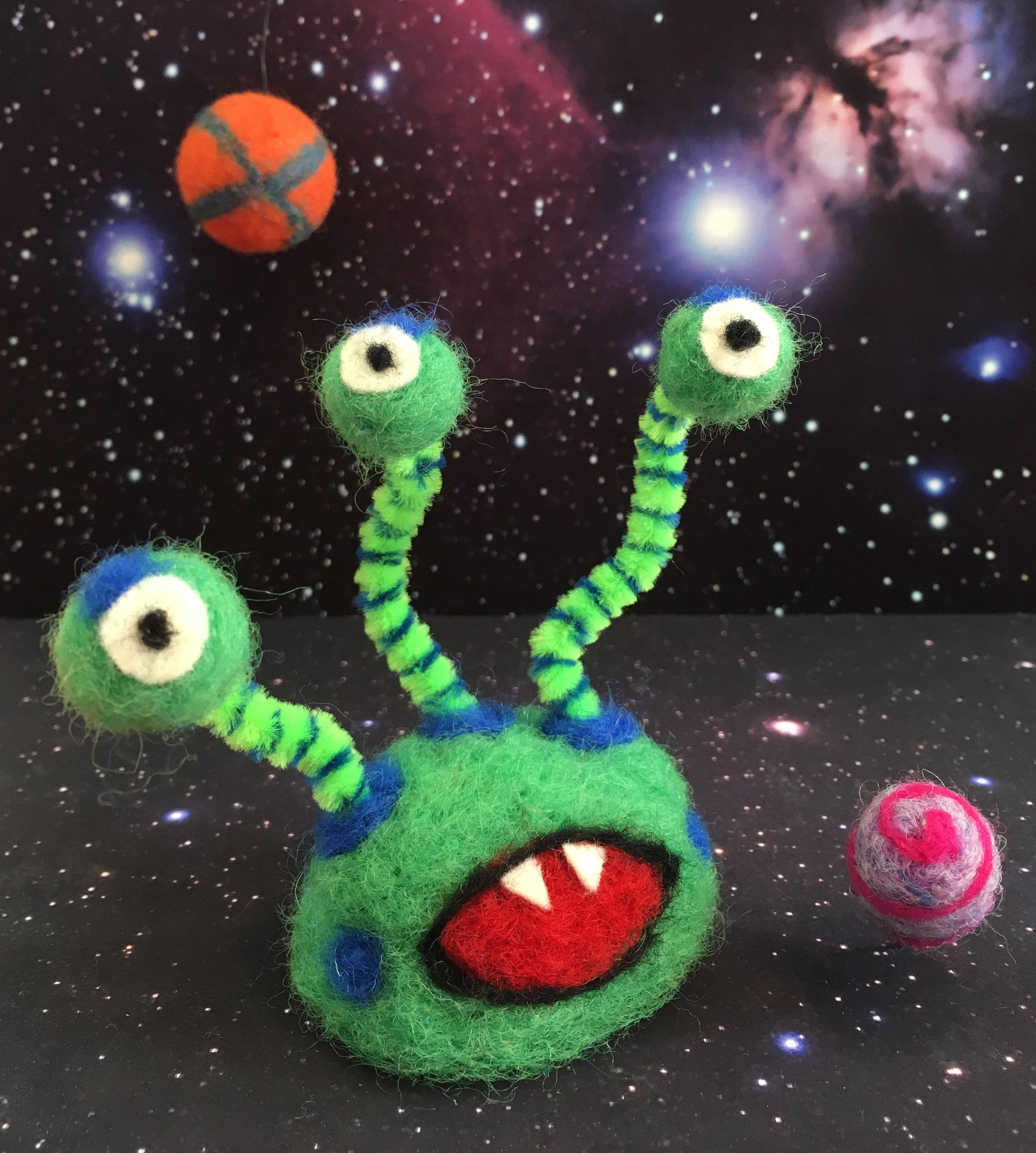 felted alien square.jpg