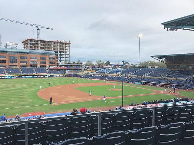 Checking out @durhambulls vs. @dukebase while doing site visits ⚾️ The weather could be better but this town is adorable!  #corporateevents #corporateeventplanner #wetravelwell #thesunwillcomeouttomorrow
