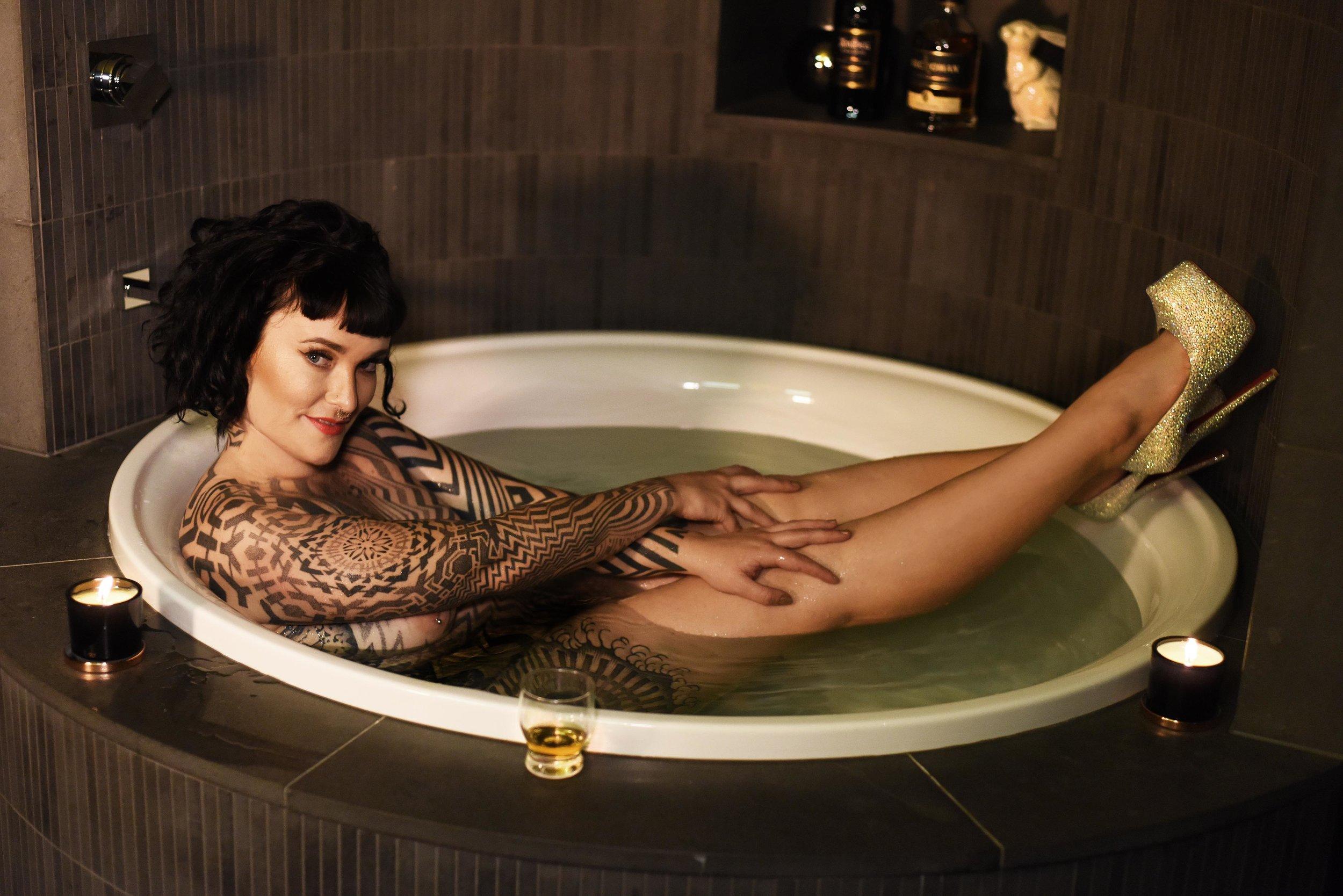 Tallula darling, tattooed escort, kinky escort, whisky mistress, whiskey escort, dominant GFE, fly me to you, extended dates