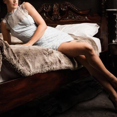 Hannah Elliott, GFE Submissive