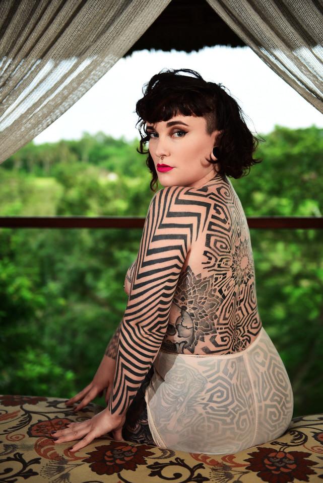 Tallula Darling, tattooed escort, inked alternative gfe, Sydney GFE, Melbourne, Girlfriend Experience, Dinner date, international companion, Bali Gfe, luxury companion