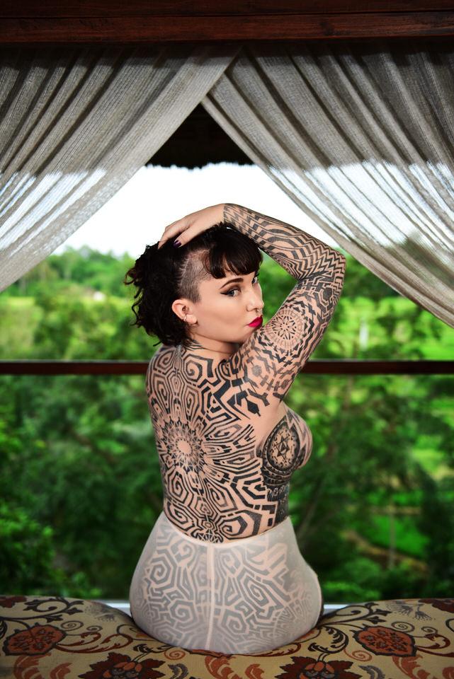 Tallula darling, corset, black lingerie, painted nails, kinky GFE, girlfriend experience, tattooed model, tattooed Gfe, inked Gfe, alternative Gfe, luxury Gfe, vip companion