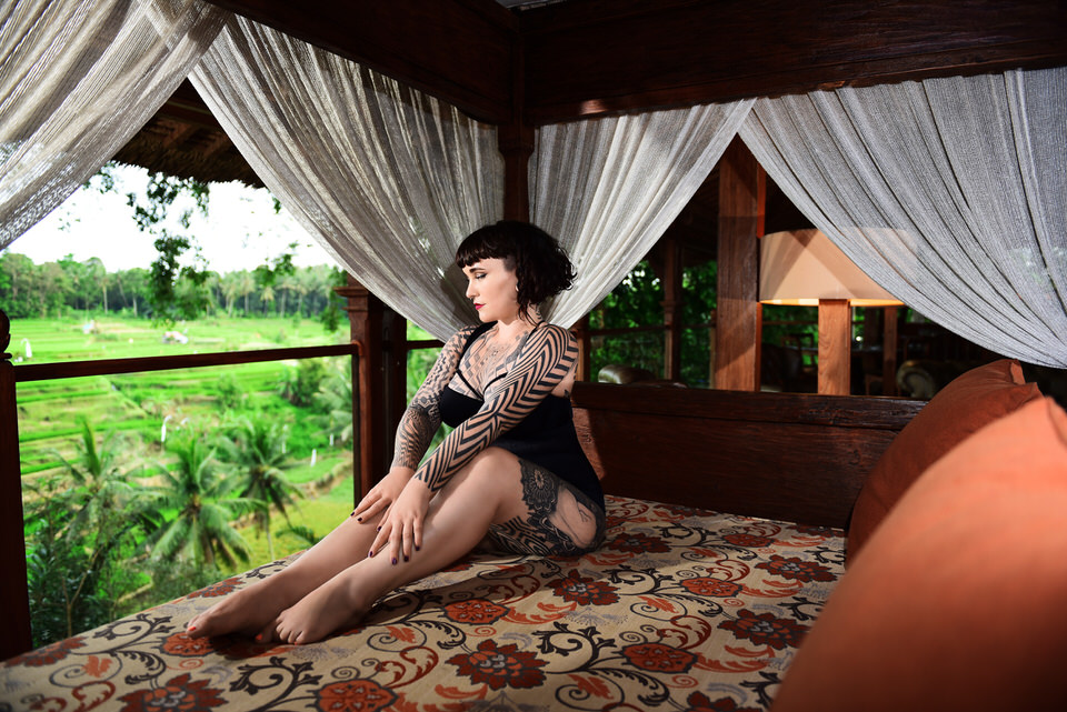 Tallula Darling, fly me to you, international vip companion, elite companion, elite Gfe, lingerie addict, lingerie, corsets, stockings