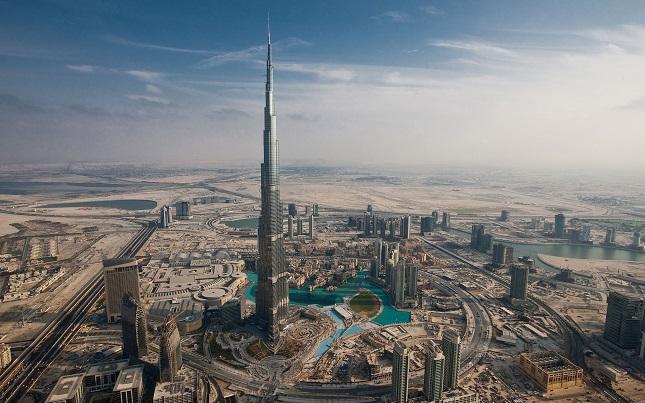 Burj-Khalifa-pasarela-de-asfalto-esperanza-arcos-revista-magazine-fashion-luxury-edition.jpg