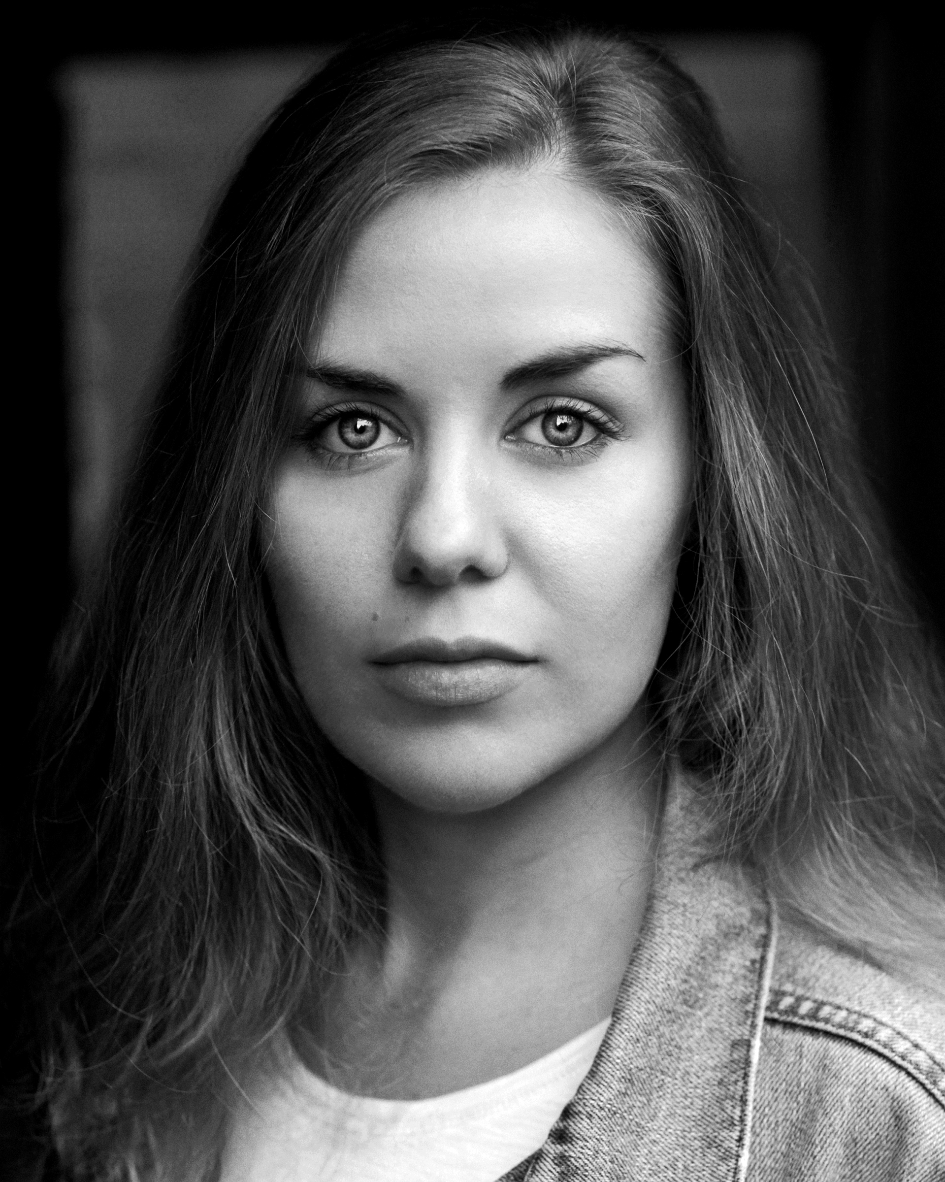 Lisa Ronkowski - Lisa Ronkowski is an Actress from Yorkshire working in London. She is Artistic Director of Off The Wall Theatre Company and member of Equity UK Trade Union and The Actors Centre. Lisa has a particular love and interest in gritty hard-hitting dramas and social documentaries.