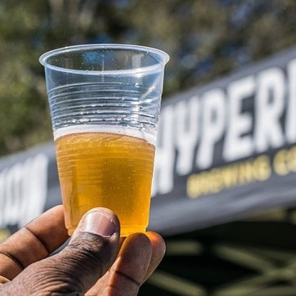 These warm summer temps have us thinking about beer, and a frosty cold pour  of malted goodness from our friends @hyperion_brewing_co . (Fun fact:  this small, local craft brewery in Springfield is 100% Snail Approved!) 🐌🍺💕 📷 @devouringjax
