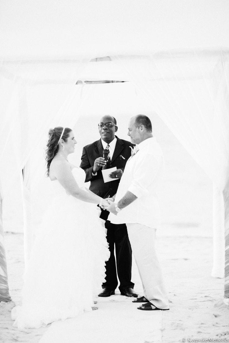 iberostar-montego-bay-jamaica-wedding-photographers-17-min.jpg