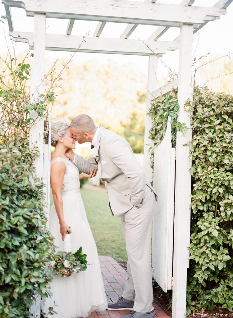 watson-house-emerald-isle-nc-wedding-photographer-49-min.jpg