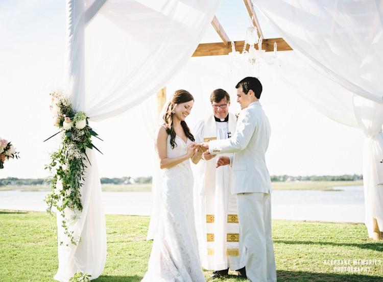 figure-eight-island-yacht-club-nc-wedding-photographers-16.jpg