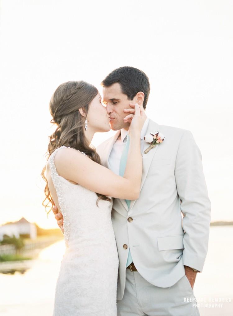 figure-eight-island-yacht-club-nc-wedding-photographers-31.jpg