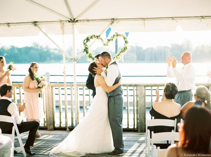 riverwalk-landing-wilmington-nc-wedding-photos-12-min.jpg