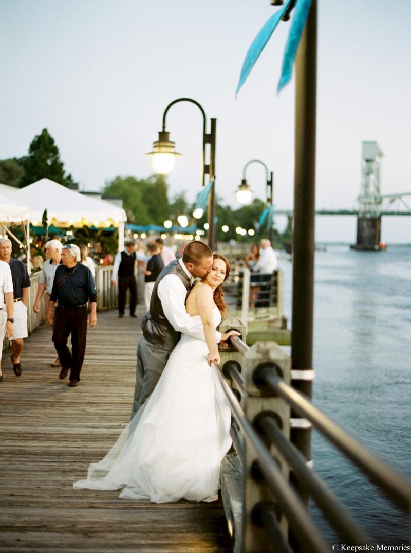 riverwalk-landing-wilmington-nc-wedding-photos-33-min.jpg