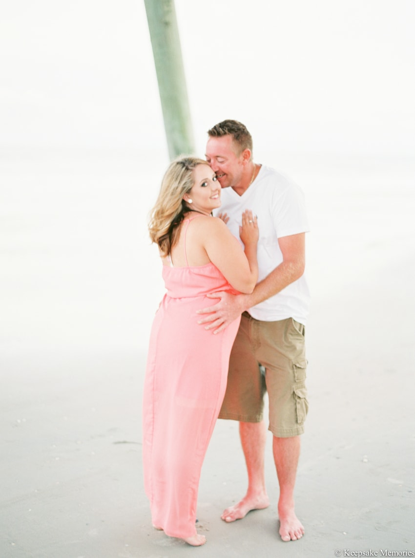 bogue-inlet-pier-emerald-isle-engagement-photos-4-min.jpg